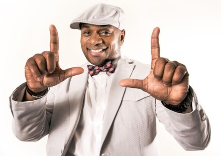 """The """"Comedian's Comedian"""": Tony Roberts Performs Live"""