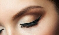 $82.50 for One Full Set of Lash Extensions at Le's Beauty & Nail ($180 Value)