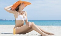 3 or 5 Sessions or 1 Month of Unlimited Red Light Therapy at Sunny Kisses Tanning Salon & Spa (Up to 53% Off)